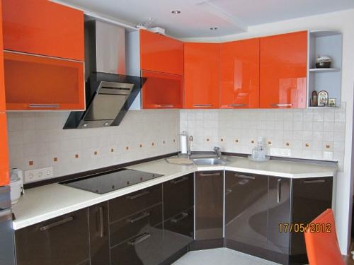 iki-renk-mutfak-dolabi-modelleri-27
