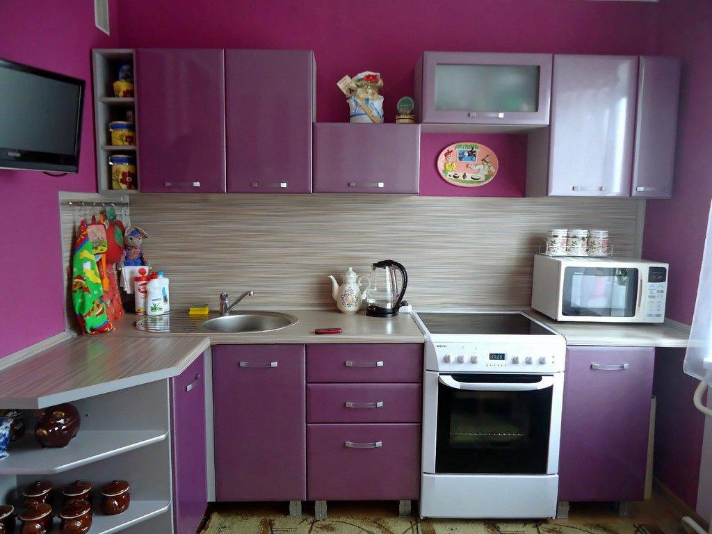 fusya-rengi-mutfak-dekorasyonu-31