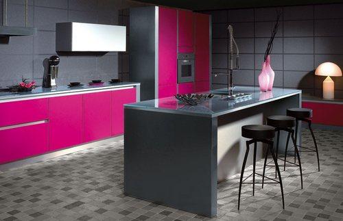fusya-rengi-mutfak-dekorasyonu-4