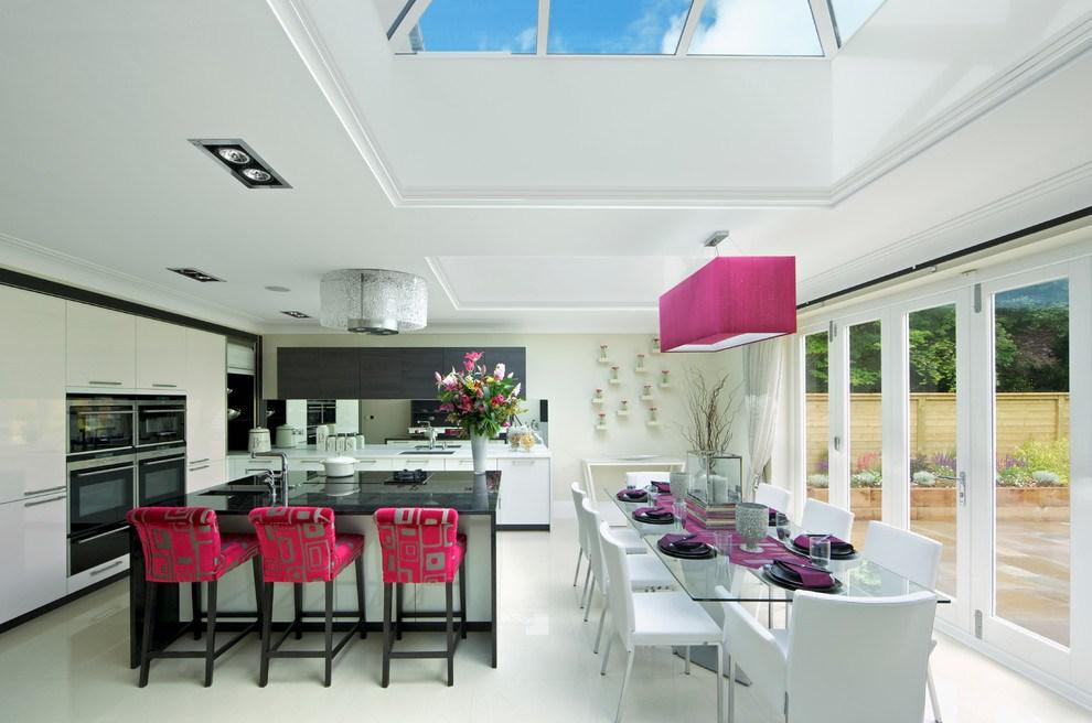 fusya-rengi-mutfak-dekorasyonu-40