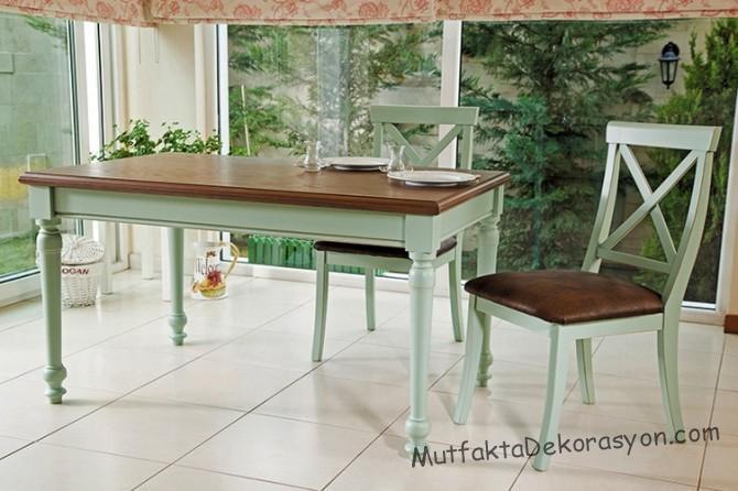 Su Yeşili Mutfak Masası