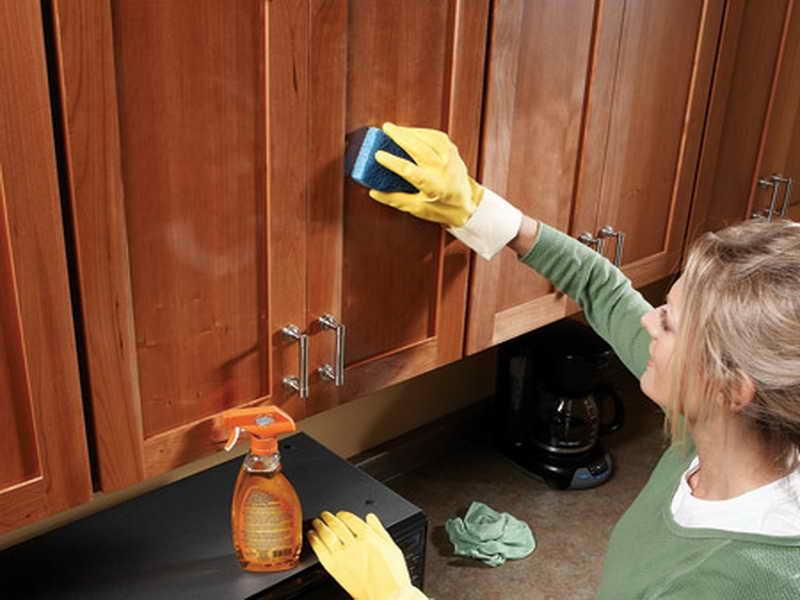 yagli-mutfak-dolaplari-temizleme-7