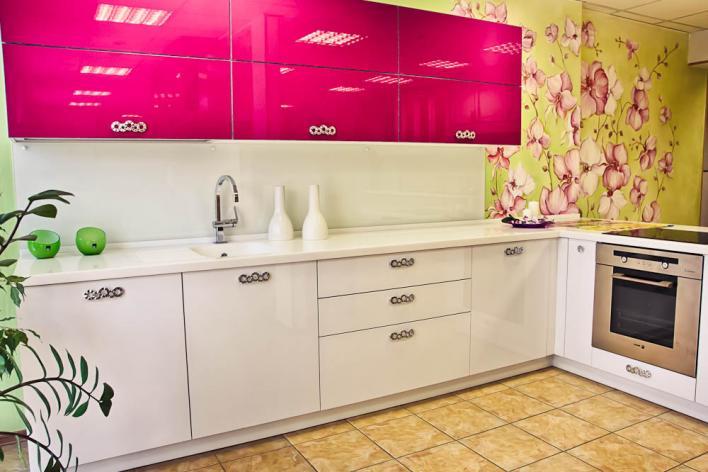 fusya-rengi-mutfak-dekorasyonu-28