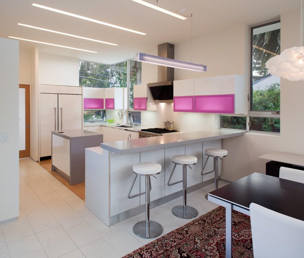 fusya-rengi-mutfak-dekorasyonu-37