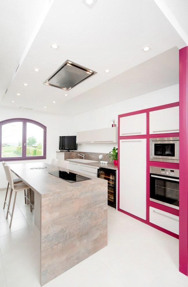 fusya-rengi-mutfak-dekorasyonu-38