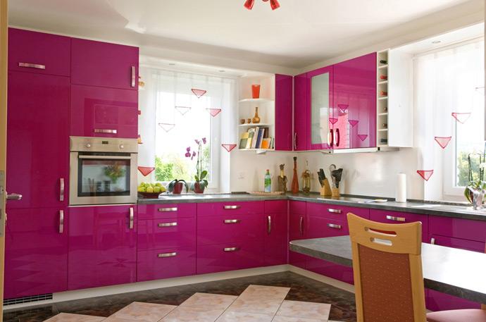 fusya-rengi-mutfak-dekorasyonu-60