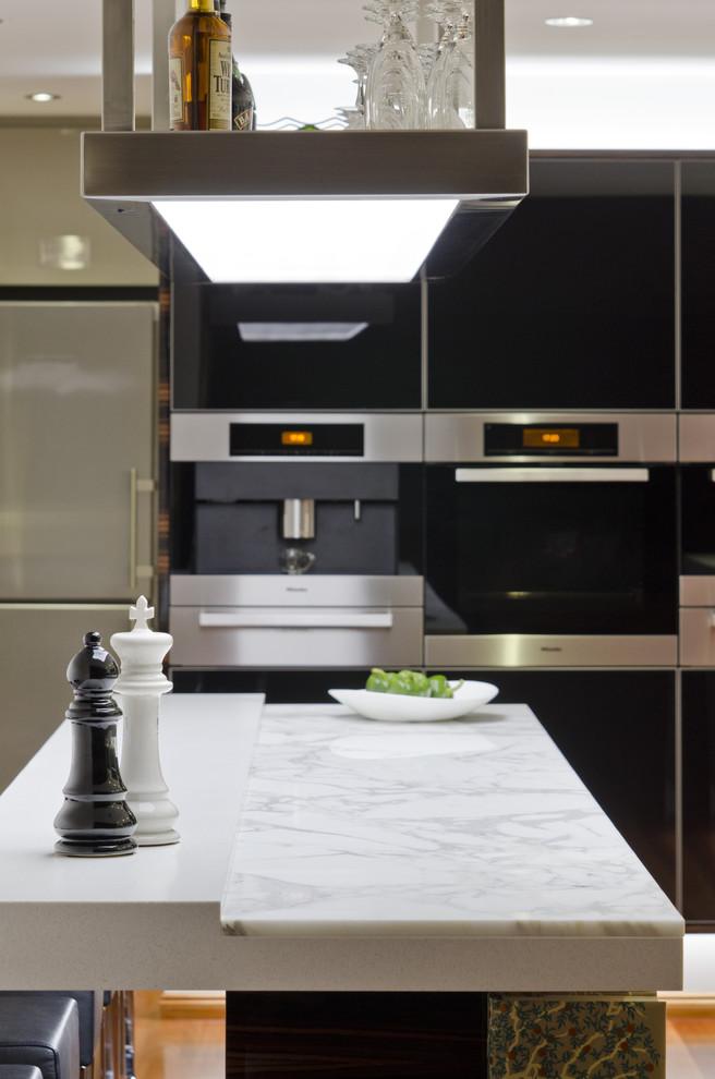 siyah-beyaz-mutfak-2