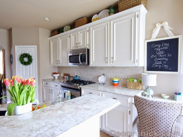 mat-beyaz-mutfak-dolaplari-24